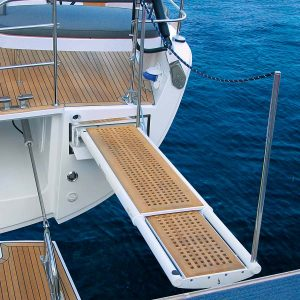 Gineico Marine-Besenzoni_retracting external gangway-PI374-onda