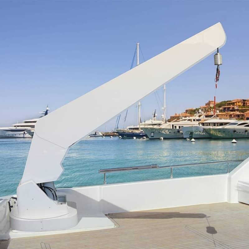 gineico-marine-besenzoni-yacht-crane-T.G624-solas-certifiable