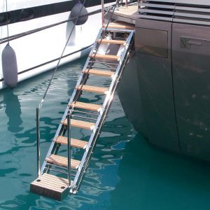 gineico-marine-boarding-ladders-besenzoni