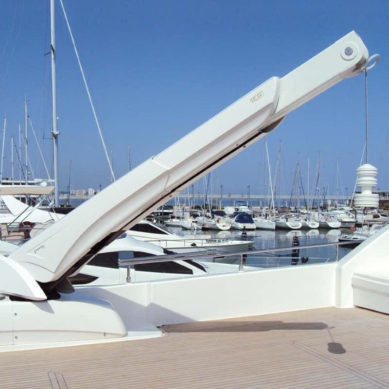 hyraulic crane g711 for flybridge - besenzoni - gineico marine