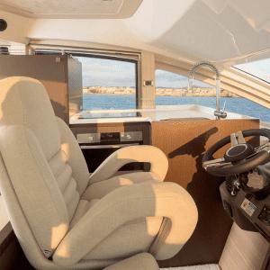 Gineico-Marine-Besenzoni-Helm-Seat-P226-1