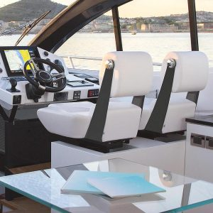 Gineico Marinea-Besenzoni-Automatic helm seat-CARBON-BES P250